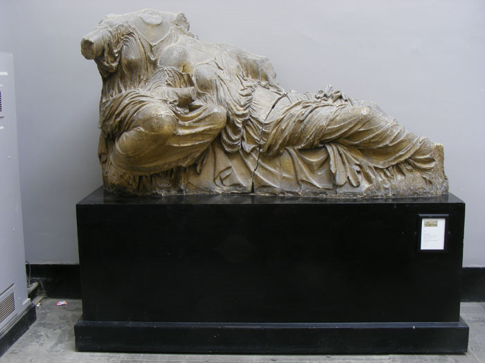 reclining goddess
