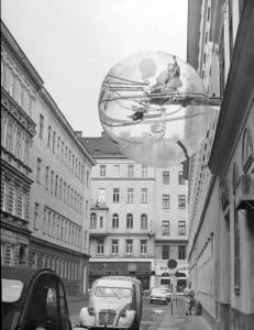 Professor Sandra Kaji-O'Grady. 'Balloon for 2' Image by permission of Gunter Zamp Kelp